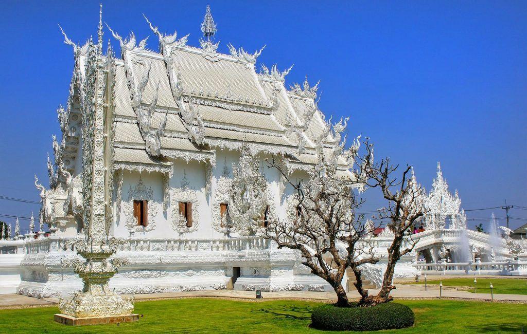 Белый храм в городе Чианг Рай