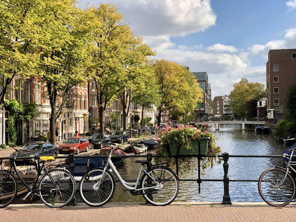 Каналы и улочки Амстердама